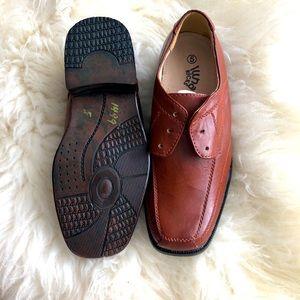 New LUNA KICKS youth dress shoes.